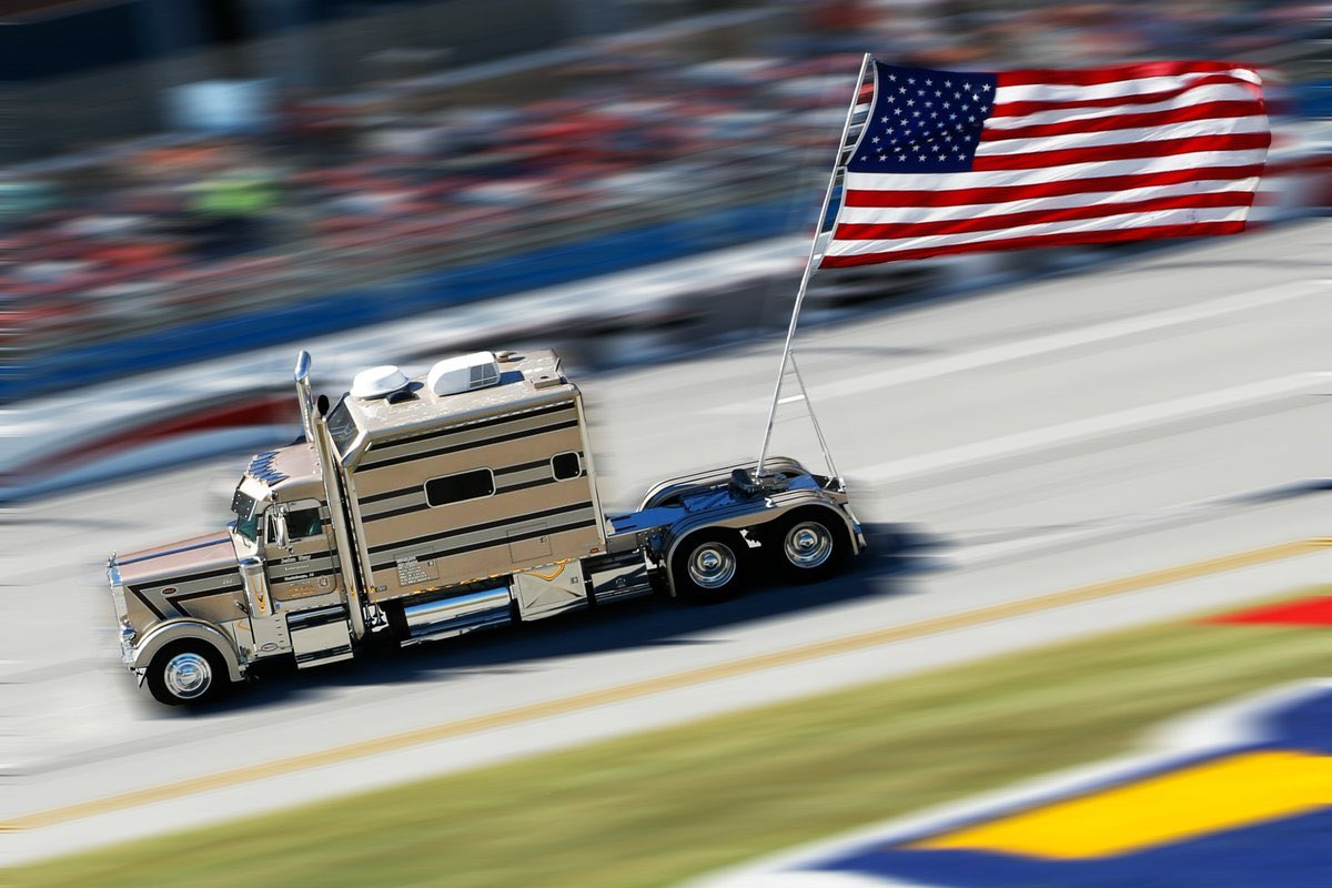 John Ray, who drove patriotic big rig at Talladega, dies at 82