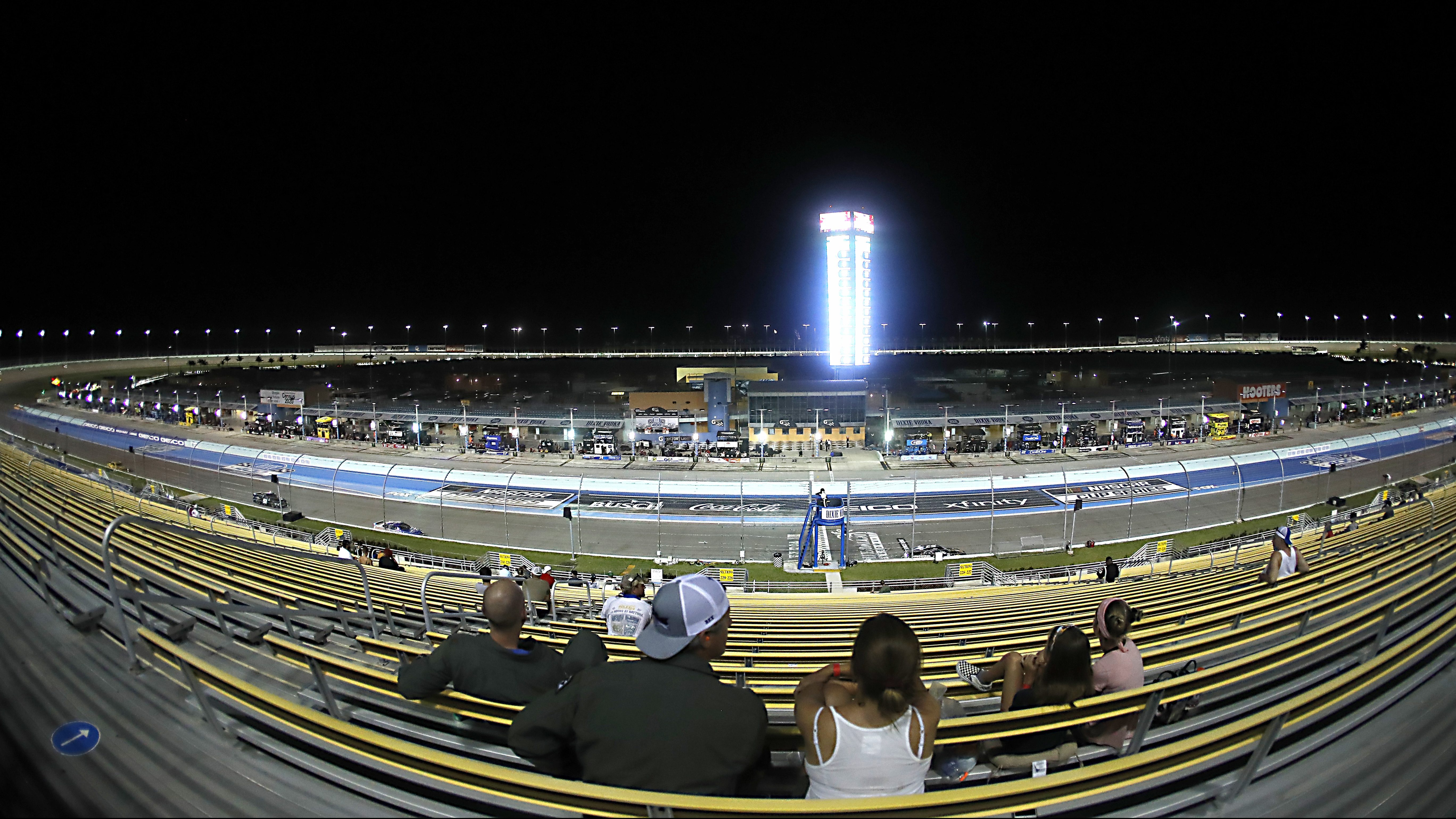NASCAR's longest year of 32 races in 71 days